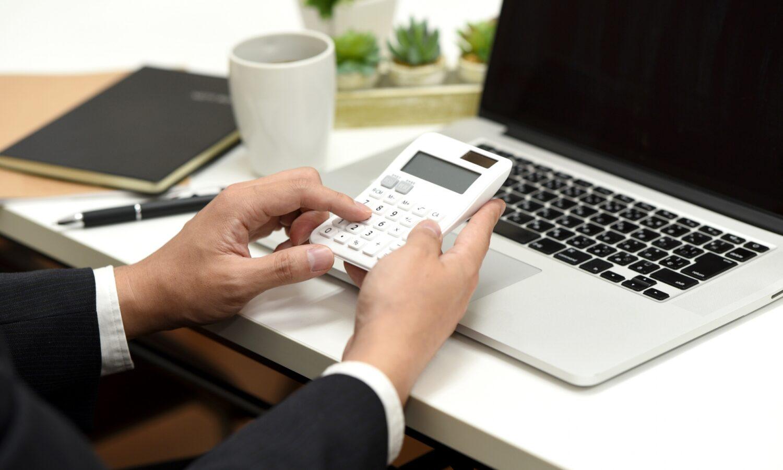 助成金の申請は社労士に依頼すべき?